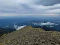 J 6 – orage sur la crête du Barbet (2712 au plus haut). Le Canigou inaccessible