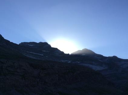 Lever du soleil sur le Mont Perdu