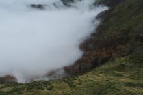 Le brouillard se déchire un instant