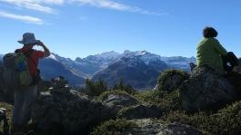 Au fond, au milieu le Marboré, à sa gauche le Mont Perdu