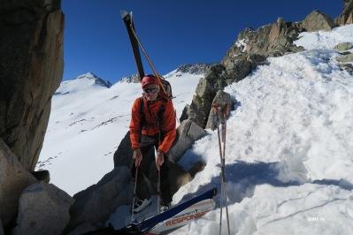 Skis sur le sac pour descendre le Portillon Supérieur