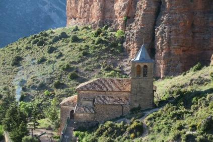 Riglos : la petite église sous les Mallos