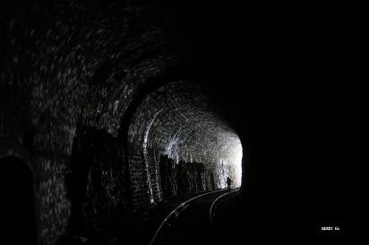 2,5 kms plus loin : Sortie du tunnel