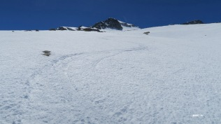 Descente face nord sous l'Aneto : neige cartonnée