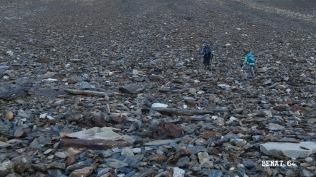 Montée vers les barrres rocheuses sous les crêtes du Lurien
