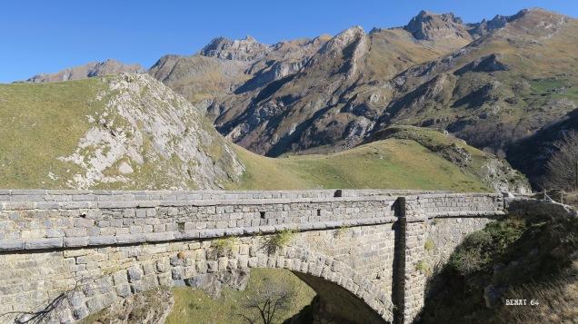 Descente : au fond le massif du Lurien
