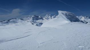 sculptures sur neige au sommet