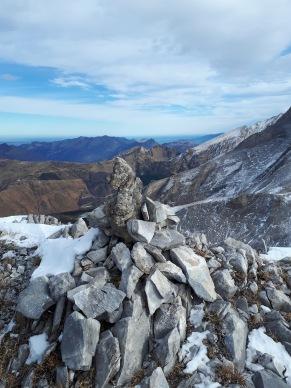 Kairn au sommet du Gourzy. Crédit : M.B.