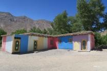école aux couleurs pastels