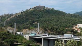 J 2 – sous l'oeil vigilant du Fort de Bellegarde,traversée de l'A9 : APOCALYPSE NOW !
