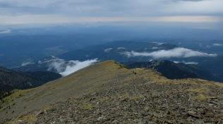 J 6 – orage sur la crête du Barbet (2712 au plus haut). Le Canigou inaccessible.