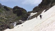 J 28 – Haute Garonne : passage délicat sous le glacier des Gourgs Blancs (2877 m)