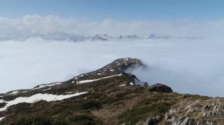la mer de nuage enserre le Tousseau